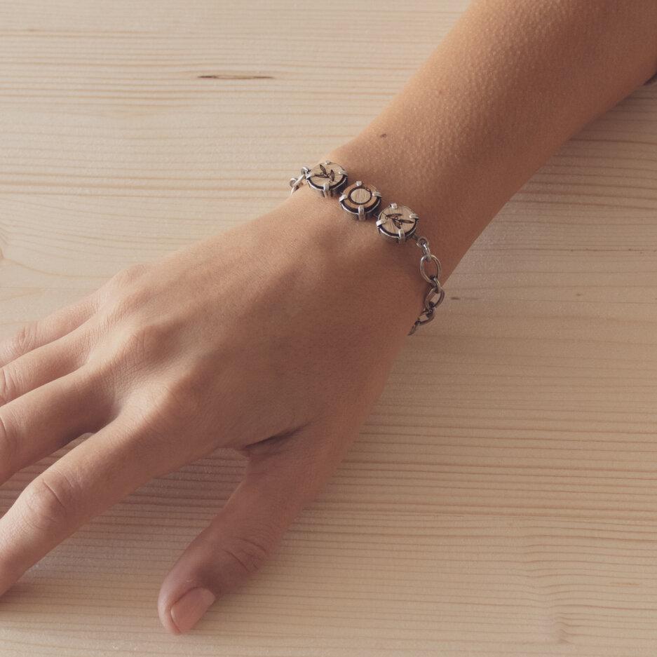 Radika bracciali